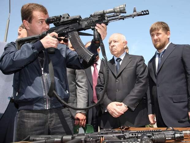 Избранные фото российского политика Дмитрия Медведева, сделанные в десятые годы