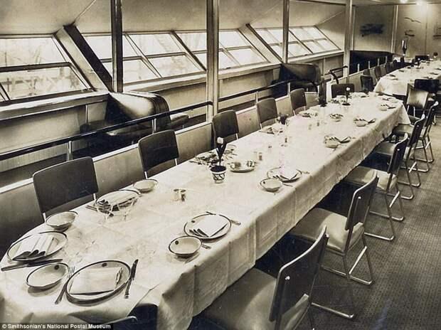 Обед на борту «Гинденбурга»: редкие фотографии роскошных интерьеров печально известного дирижабля