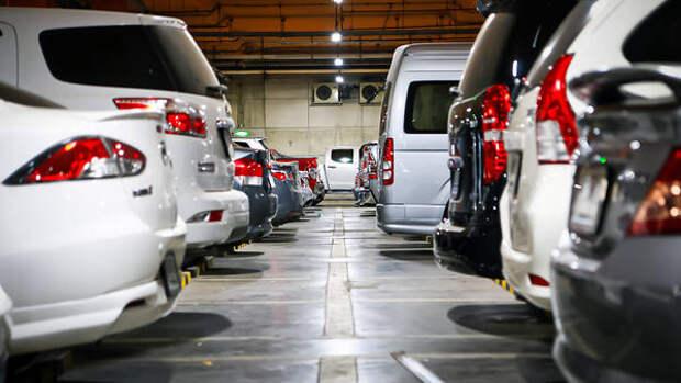 Почему на парковку правильнее заезжать задним ходом