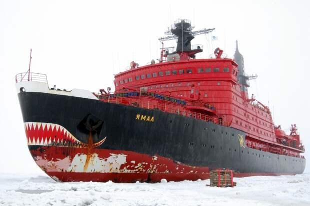 Северный морской путь: льды тают − напряженность растет