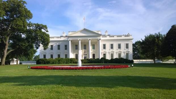 Псаки: США не станут выдвигать условия для встречи Путина и Байдена