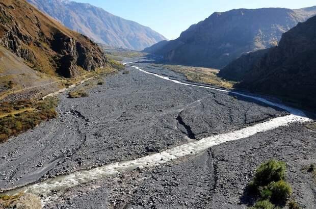 Так выглядит единственная дорога между Грузией и Россией