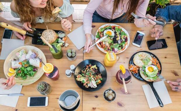 Диетологи советуют завтракать водно итоже время, чтобы нерастолстеть: Новости ➕1, 17.05.2021