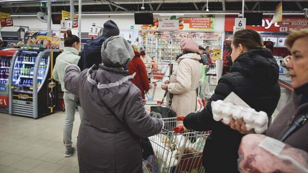 Омские магазины игнорируют масочный режим