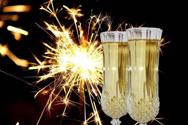 4 часа в сутки: в России предложили ограничить продажу алкоголя в новогодние праздники