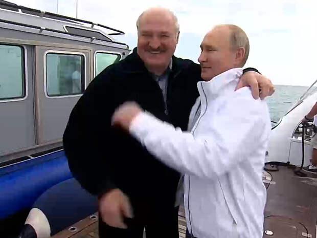 В Сочи Лукашенко говорил много, Путин слушал и улыбался, а на Западе впали в истерику