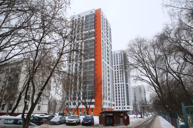 Жительницы Кузьминок переедут в соседний дом по программе реновации. Фото: Ярослав Чингаев