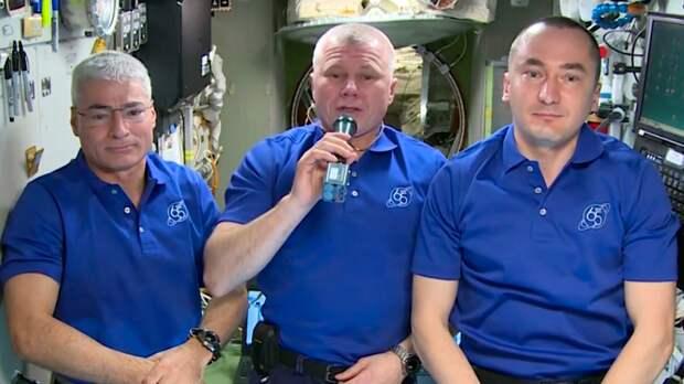Поздравление с Днем Победы пришло с борта МКС