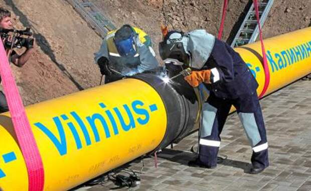 На фото: сварка «красного стыка» газопровода «Минск — Вильнюс — Каунас — Калининград»