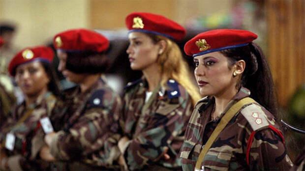 Ливийские монахини-революционеры После ливийской гражданской войны, корпус элитных телохранителей Муаммара Каддафи был полностью распущен. Эти женщины, впоследствие, сформировали свой собственный боевой батальон отлично подготовленных и смертельно опасных специалистов.