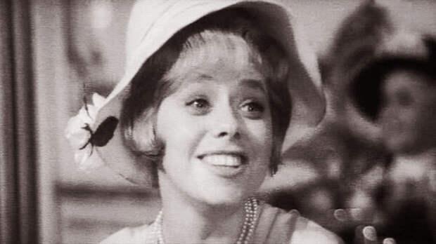 Наталья Четверикова (кадр из фильма «Дела давно минувших дней», 1972 год)