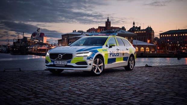 Volvo V90 встал под ружье