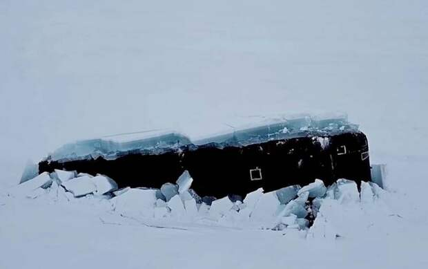 В США оценили одновременное всплытие трех российских подлодок из-подо льдов Арктики