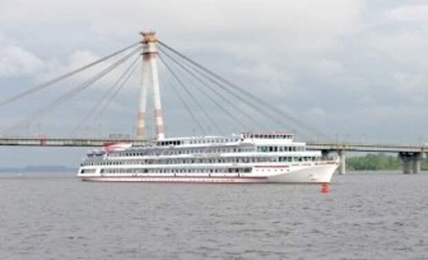 """Около 2 500 туристов с начала навигации прибыли в Череповец """"по воде"""""""