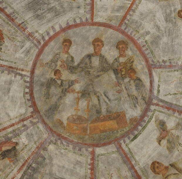 Возраст фресок - 1600 лет.