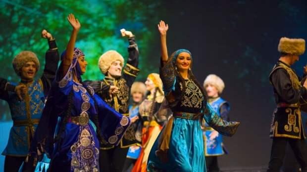 Дагестанский ансамбль «Лезгинка» подготовил постановку под песню «Смуглянка»