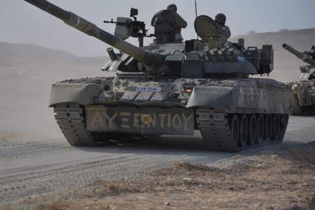 Танки Т-80У и АМХ-30 приняли участие в совместных учениях на Кипре