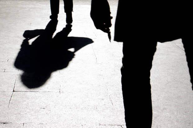 Женщина набросилась с ножом на мужчину в квартире на Шокальского