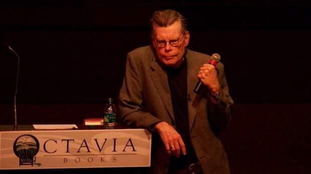 """Писатель Стивен Кинг назвал """"Ведьму из Блэр"""" 1999 года самым страшным фильмом ужасов"""