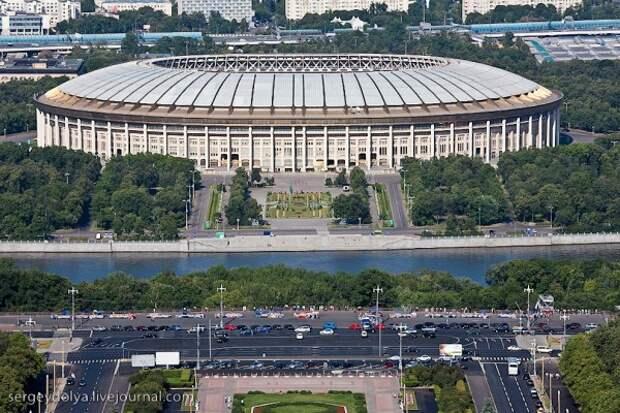 На крышу стадиона «Лужники» будут водить туристические экскурсии