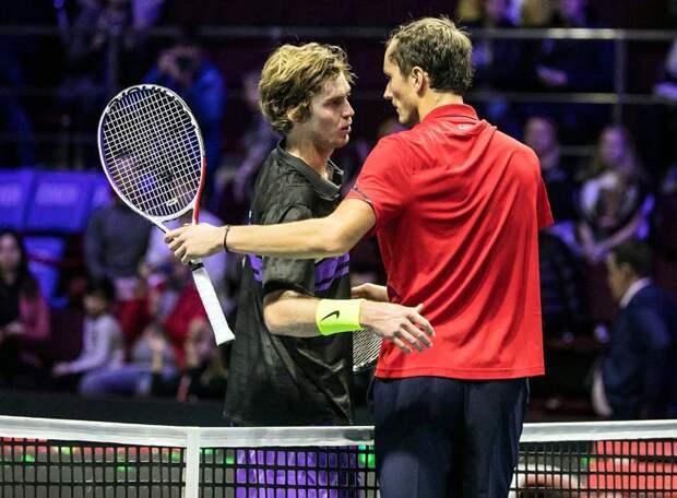 Два российских теннисиста в полуфинале турнира «Большого шлема» - плохая примета? Такого не было 15 лет, но всё равно немного обидно