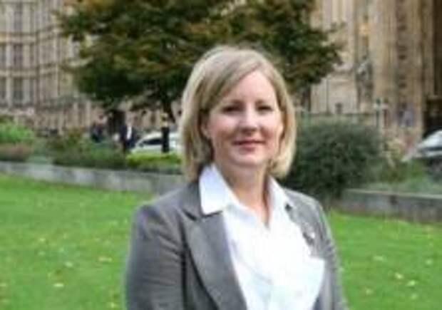 Британские депутаты сыграли в футбол в парламенте
