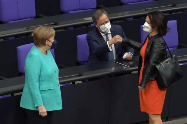 Меркель, Лашет и конкурентка Бербок.jpg