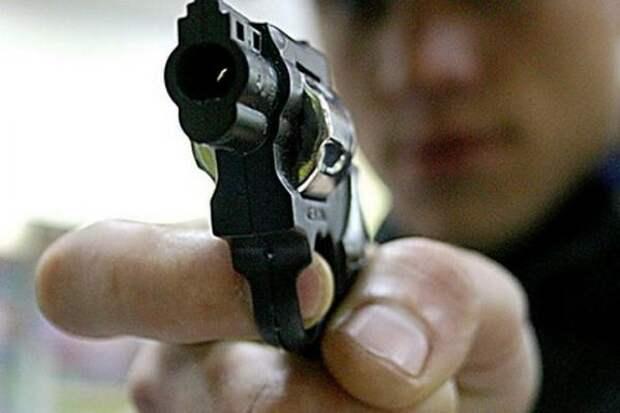 В Ставрополе парень расстрелял двух полицейских и скрылся