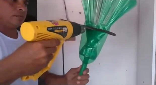 Крепление черенка к метле из пластиковых бутылок