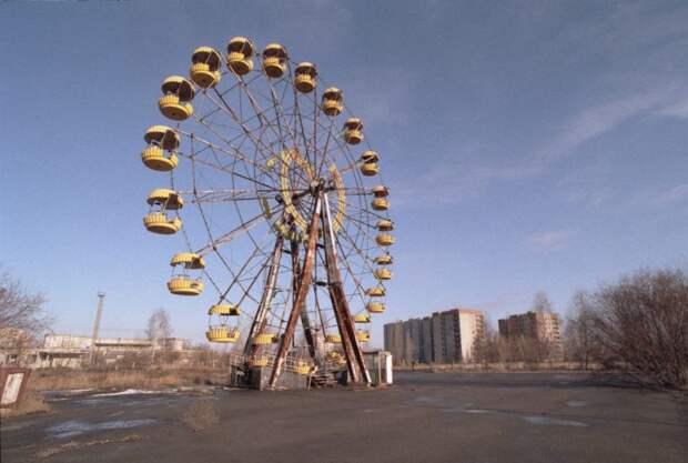 Инстаграм-модели делают откровенные фото в Чернобыльской зоне и многих это возмущает