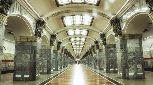 Сотрудники петербургского метрополитена поучаствовали в забеге в честь юбилея подземки