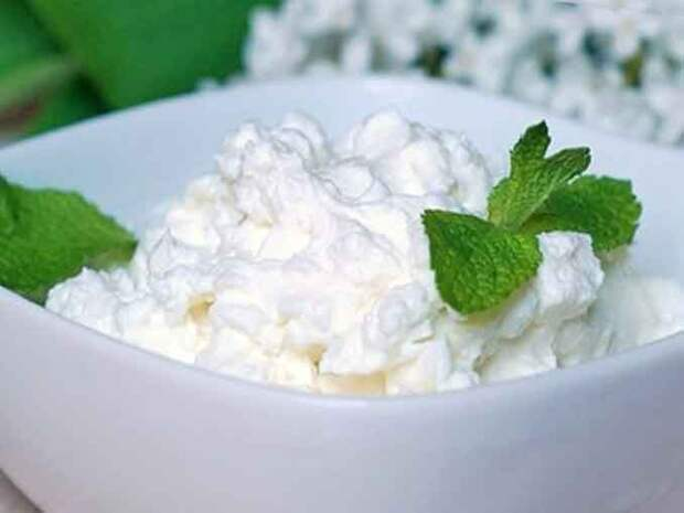 Как приготовить домашний творог из молока с лимоном