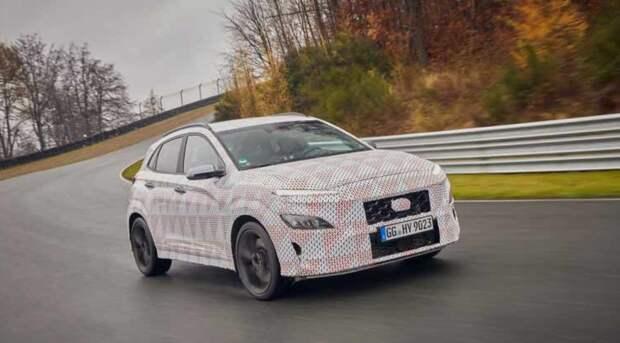 Hyundai показала на фото новый «заряженный» кроссовер Kona N