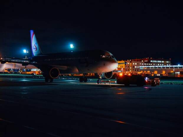 20 авиарейсов задержали и отменили в Москве