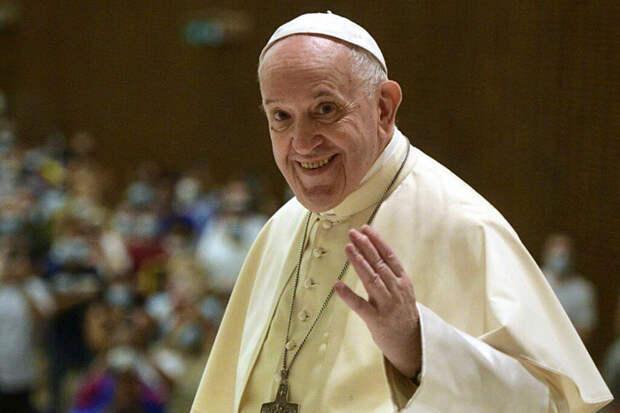 Папа Римский подарил 15 тысяч порций мороженого итальянским заключённым