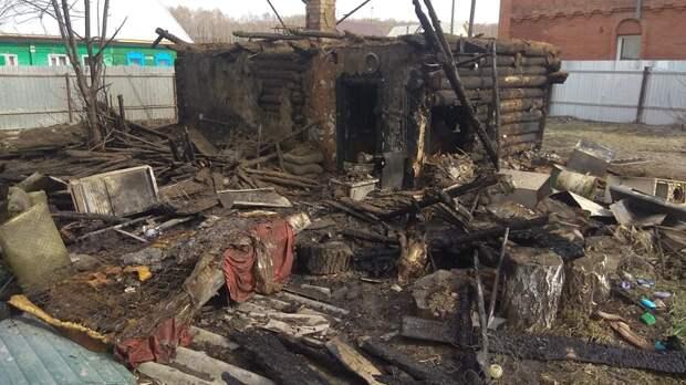 Двигался на ощупь: сосед вынес из пылающего дома мальчика в Искитиме