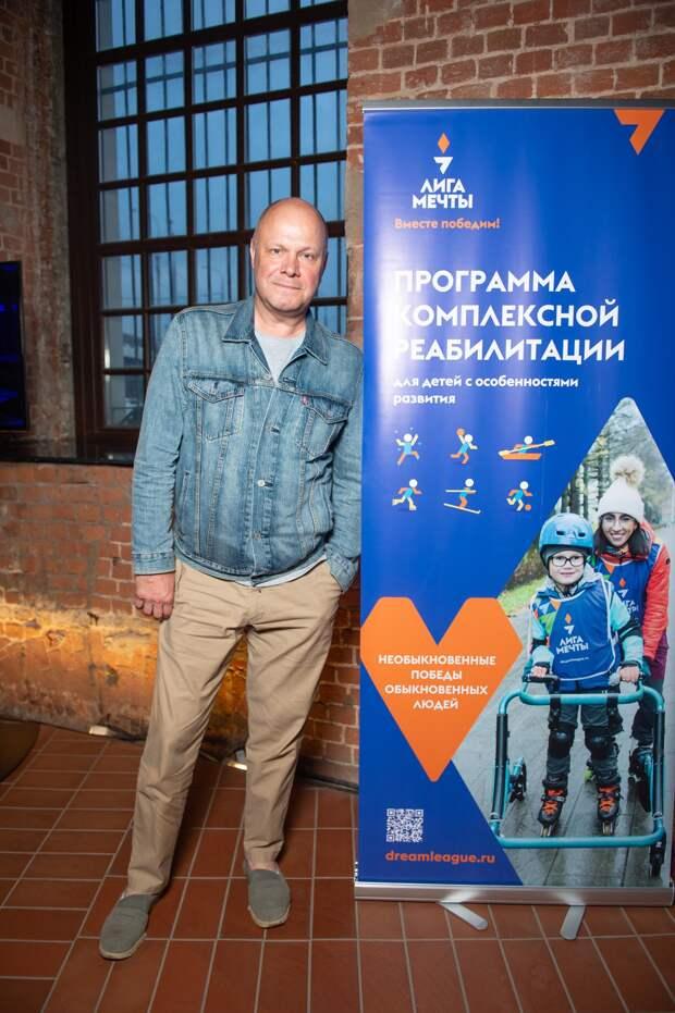 Оксана Пушкина, Дарья Повереннова, Кристина Бабушкина на премьере фильма о жизни людей с инвалидностью