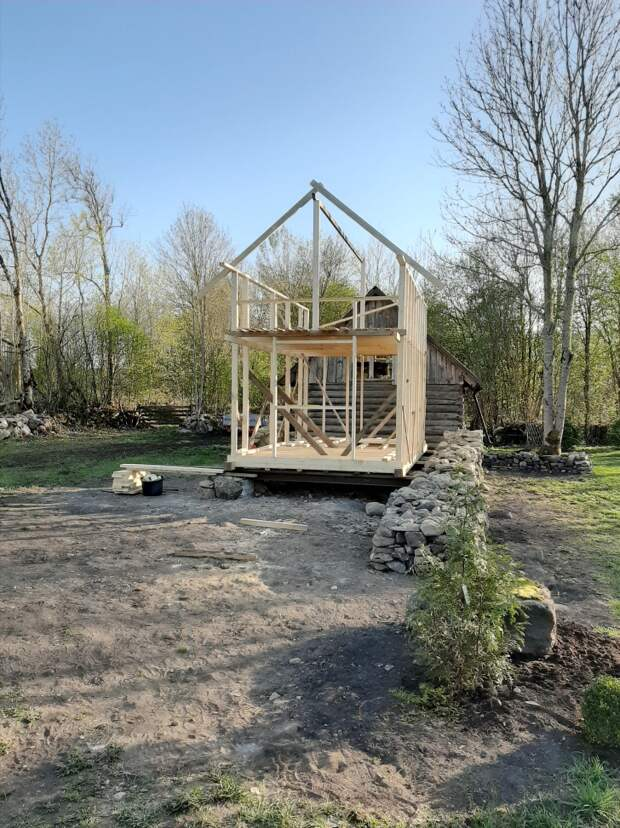 Микро-домик, построенный супругами из Эстонии своими руками — всего 300 часов работы и 12 000 евро