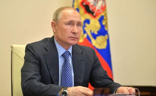 Путин рассказал об обвале розничных продаж в России в апреле