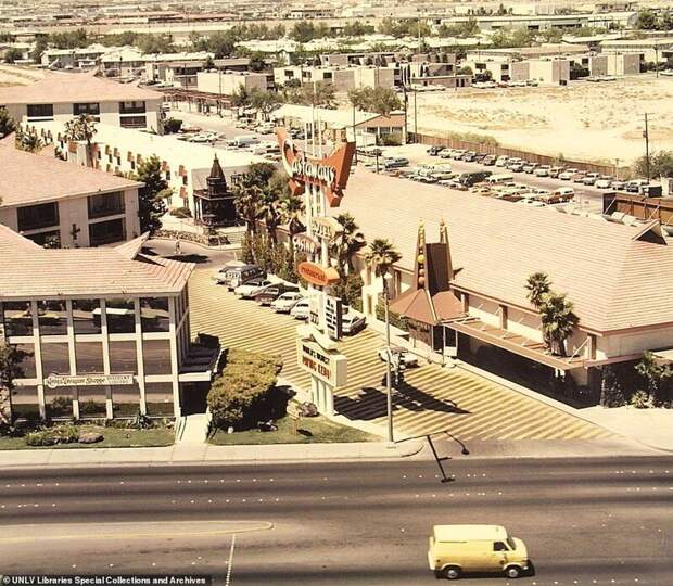 8. Отель Castaways / The Mirage