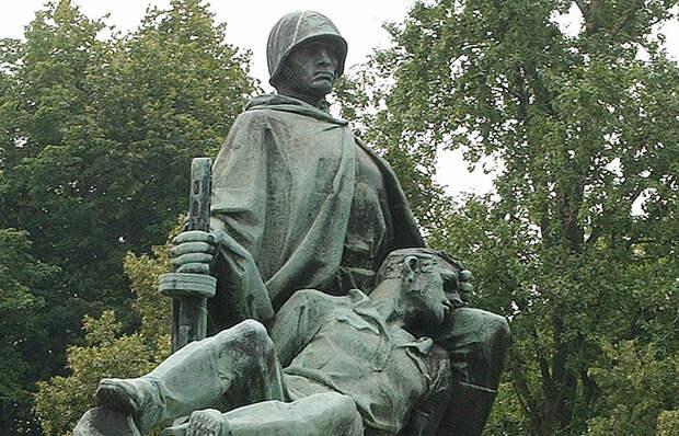 Плевок в лицо освободителям от освобожденных потомков в День Памяти и скорби