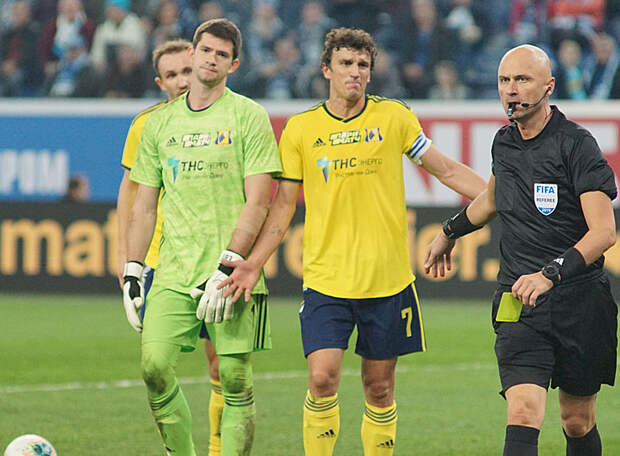 «Ростов» официально объявил о своей потере перед матчем с «Зенитом» - капитан ушел «по семейным». Есть ли другие причины расставания?