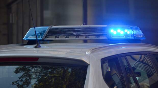 Избитого мужчину выбросили из внедорожника посреди улицы в Москве