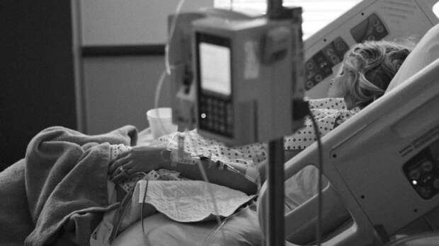 Более семи тысяч пациентов с коронавирусом находятся в стационарах Петербурга