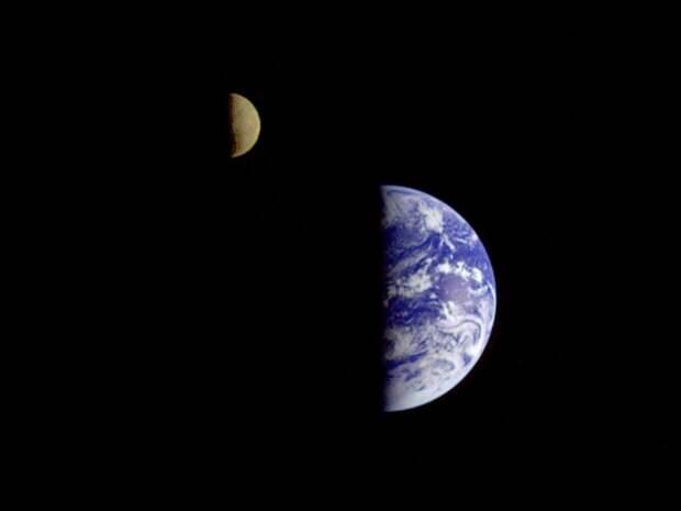 Чем более своеобразно выглядит наш дом …    земля, космос, красота