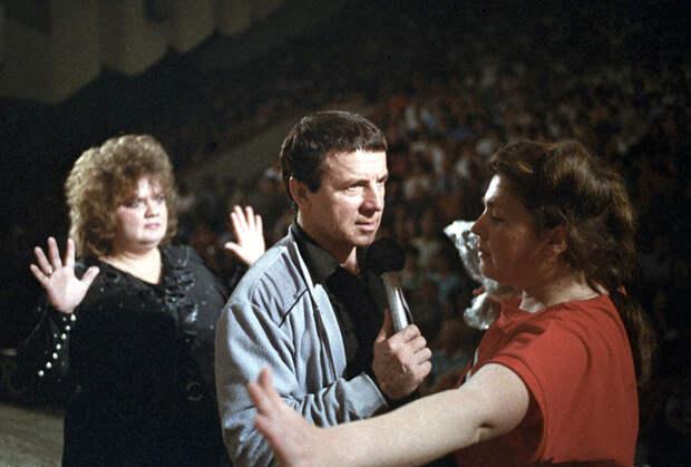 Лечебный сеанс Анатолия Кашпировского в Киеве, 1989 год