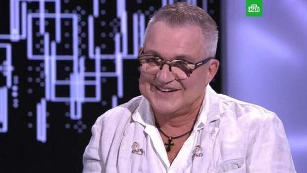Перенесший инсульт Дибров решил составить завещание и не упоминать в нем старшего сына