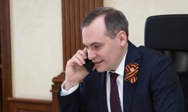 Артём Здунов по телефону поздравил с Днем Победы ветеранов Великой Отечественной войны