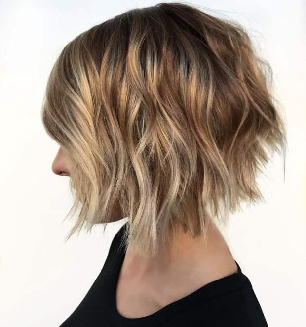 стрижка боб на волнистые волосы фото 6