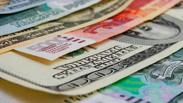 Физлица в сентябре приобрели валюту на $117 млн